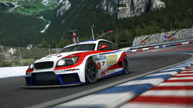 """In """"RaceRoom Racing Experience"""" fordern Sie andere Rennfahrer online zu Duellen heraus und erschaffen Ihre eigene Racing-"""