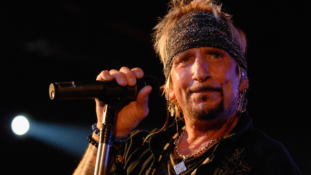 INDIANAPOLIS, IN - APRIL 20:  Jack Russel of Jack Russel's Great White performs at 8 Second Saloon on April 20, 2012 in India