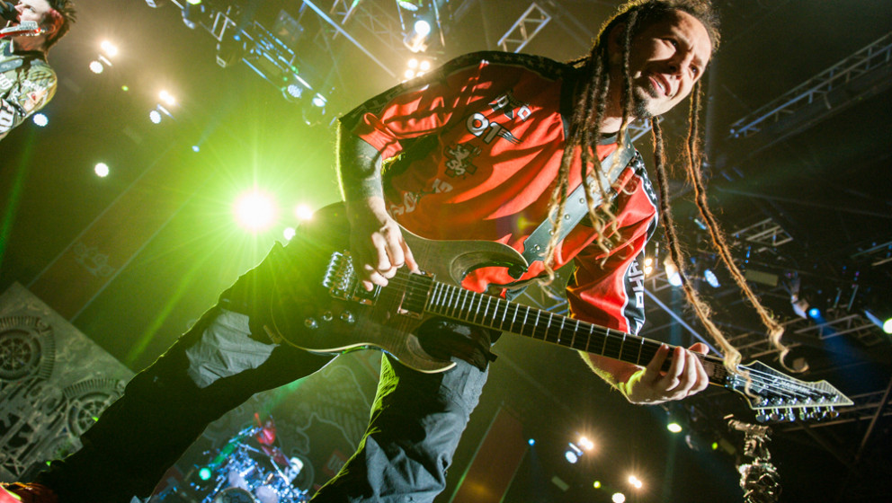 Five FInger Death Punch-Gitarrist Zoltan Bathory