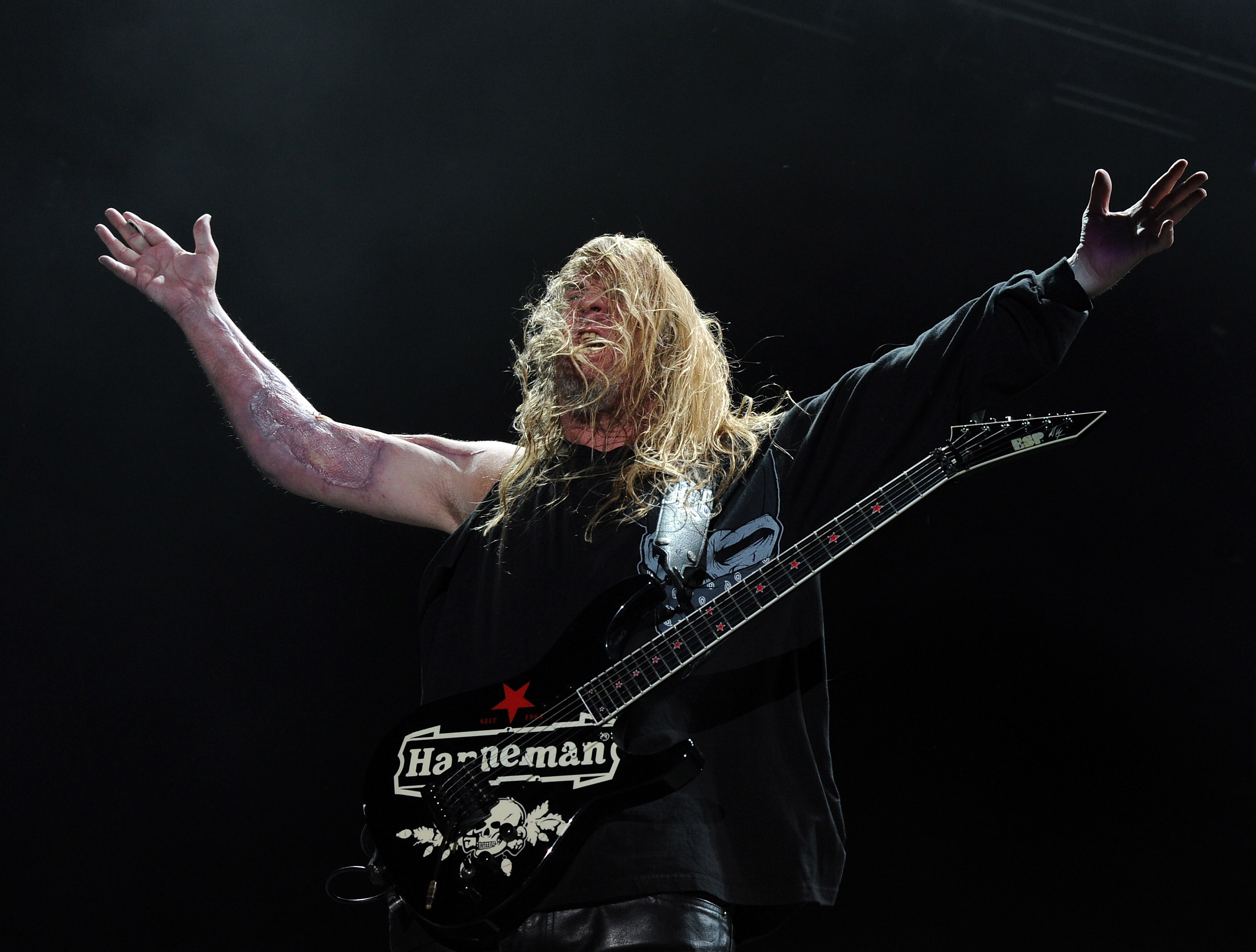 INDIO, CA - APRIL 23:  Musician Jeff Hanneman of Slayer performs onstage during The Big 4 held at the Empire Polo Club on Apr