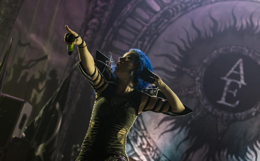 Arch Enemy: Auch 20 Jahre nach ihrer Gründung und mehreren Besetzungwechseln, ist ihr Melodic Death Metal noch immer ein echter Ohren- und Augenschmauß!