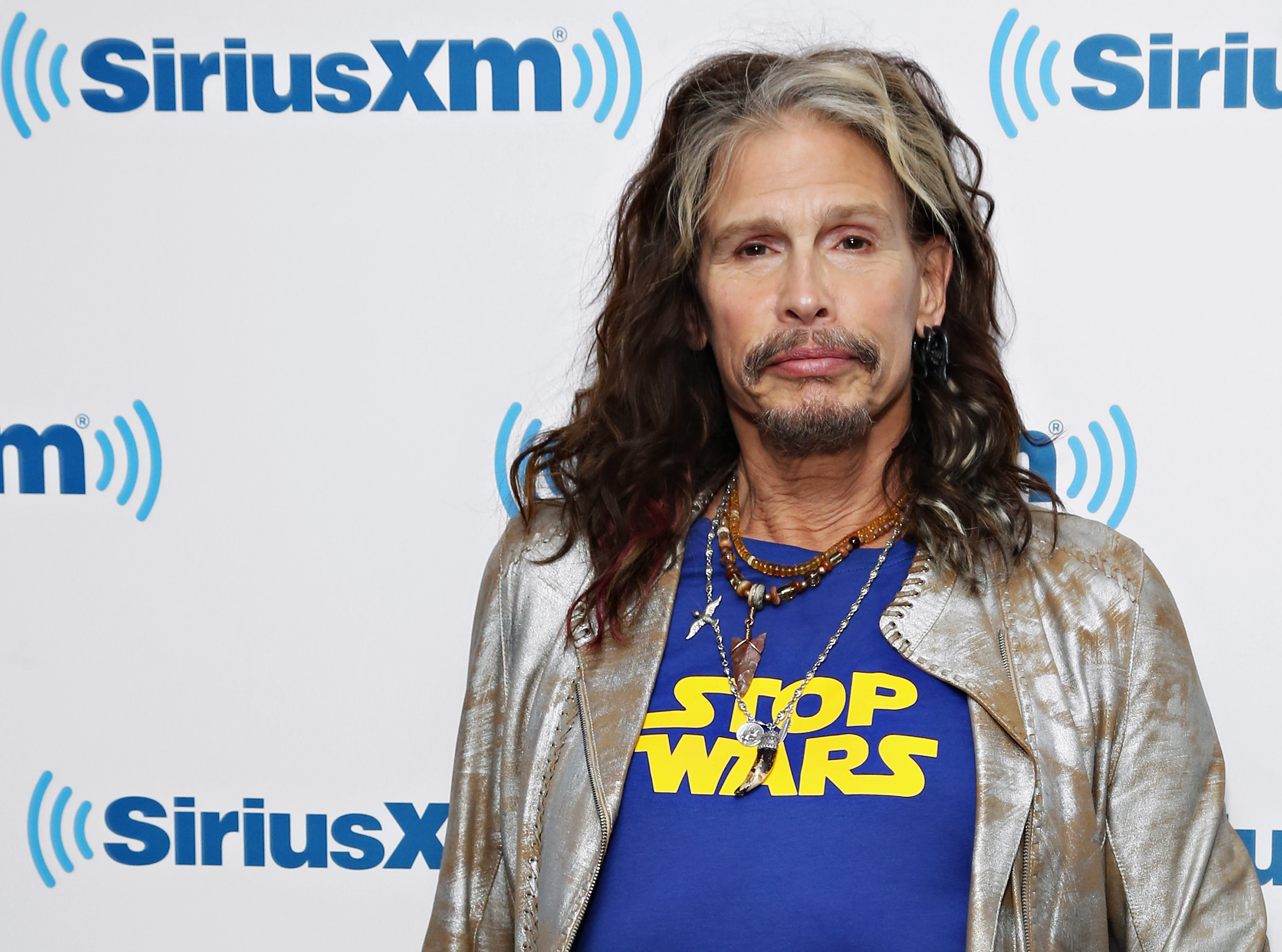 NEW YORK, NY - JANUARY 25:  Singer Steven Tyler visits the SiriusXM Studios on January 25, 2016 in New York City.  (Photo by