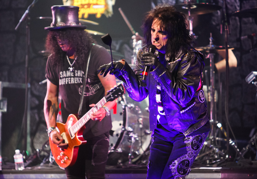 LOS ANGELES, CA - APRIL 11:  Guitarist Slash (L) and Singer Alice Cooper (R) perform at the 4th Annual Revolver Golden God Aw