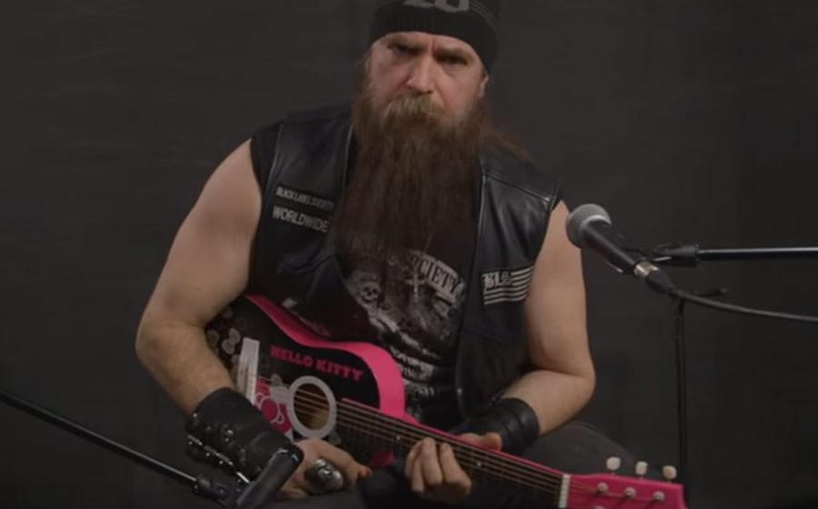 Zakk Wylde und die Hello Kitty-Gitarre.