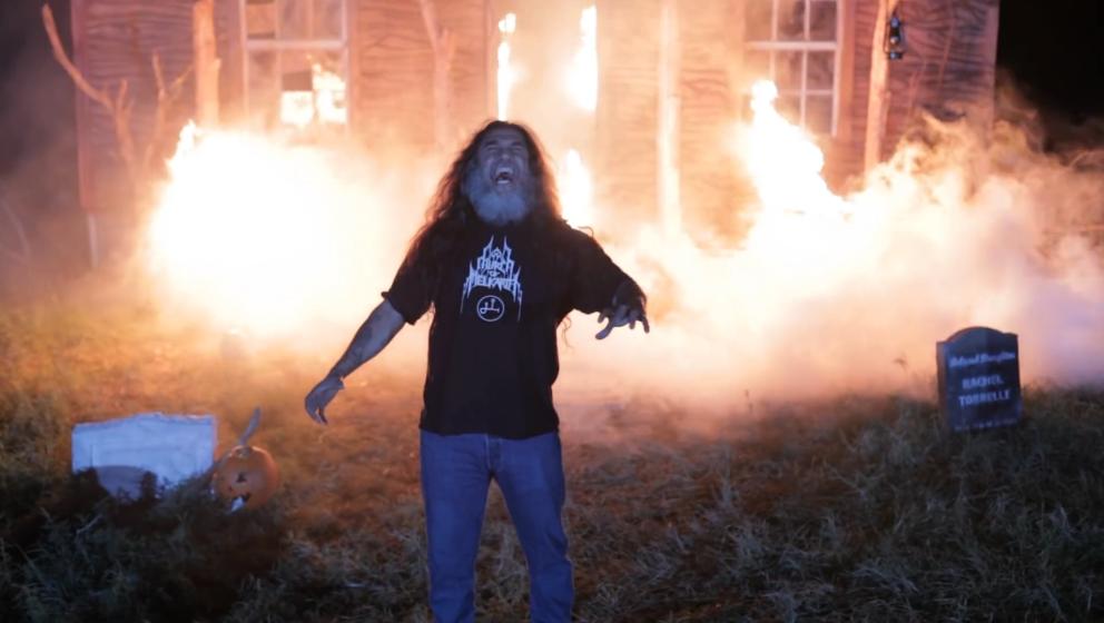 Tom Araya im Trailer zu 'Hairmetal Shotgun Zombie Massacre'