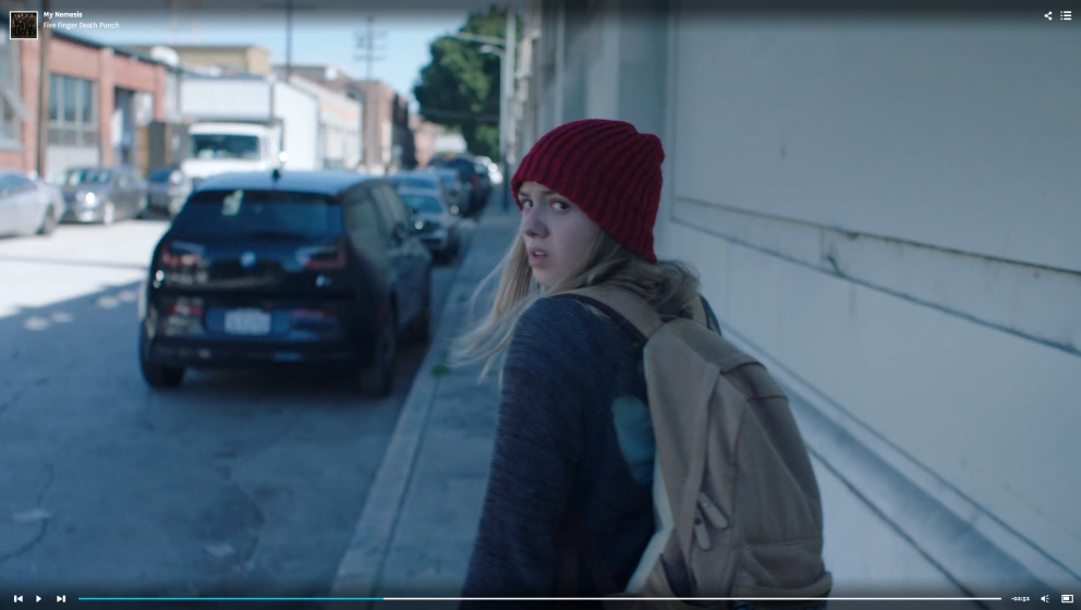 Ausschnitt aus dem Video zu 'Nemesis'.