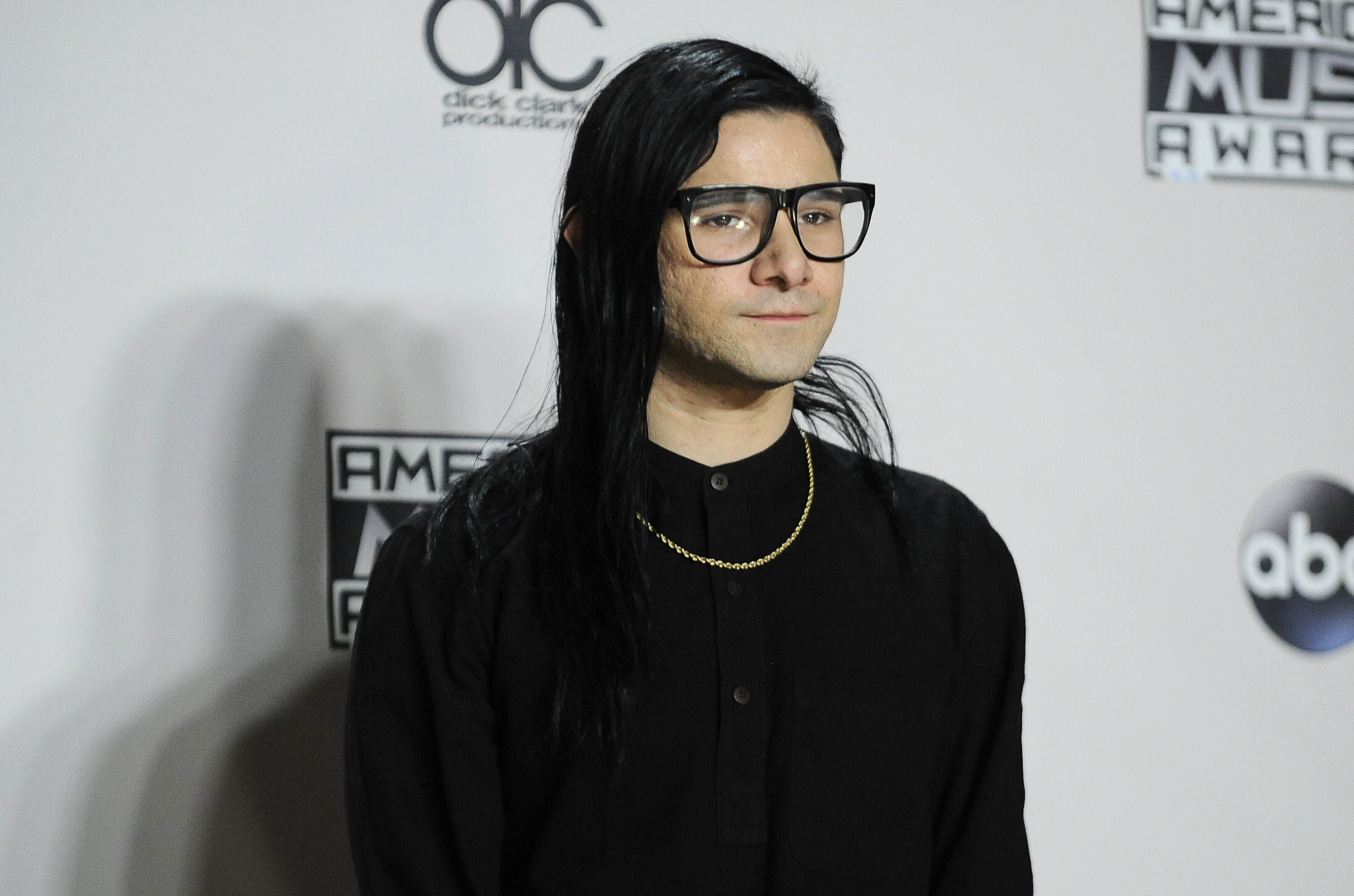 LOS ANGELES, CA - NOVEMBER 22:  Skrillex poses in the press room at the 2015 American Music Awards at Microsoft Theater on No