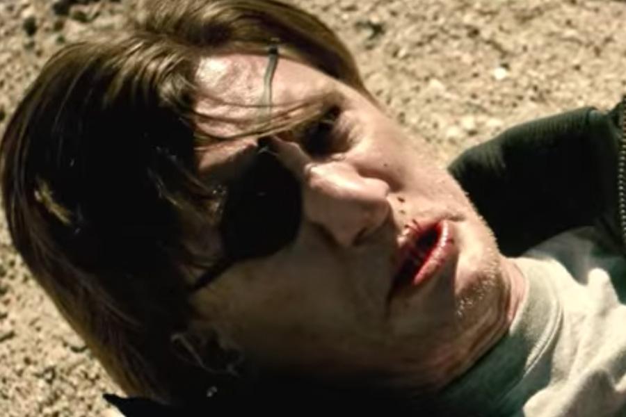 Geschlagen, getreten und doch siegreich am Ende: Unser Held der Video-Trilogie.