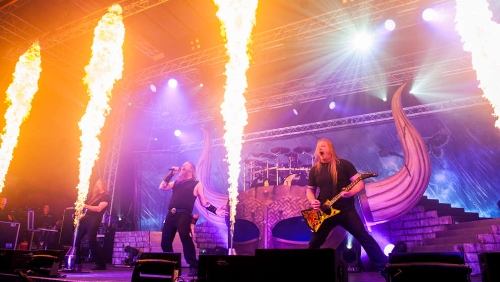 Amon Amarth + Grand Magus + Testament @ Turbinenhalle, Oberhause,