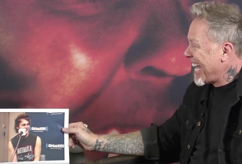 Stars in Metallica-Shirts: Da kann James Hetfield nur lachen.