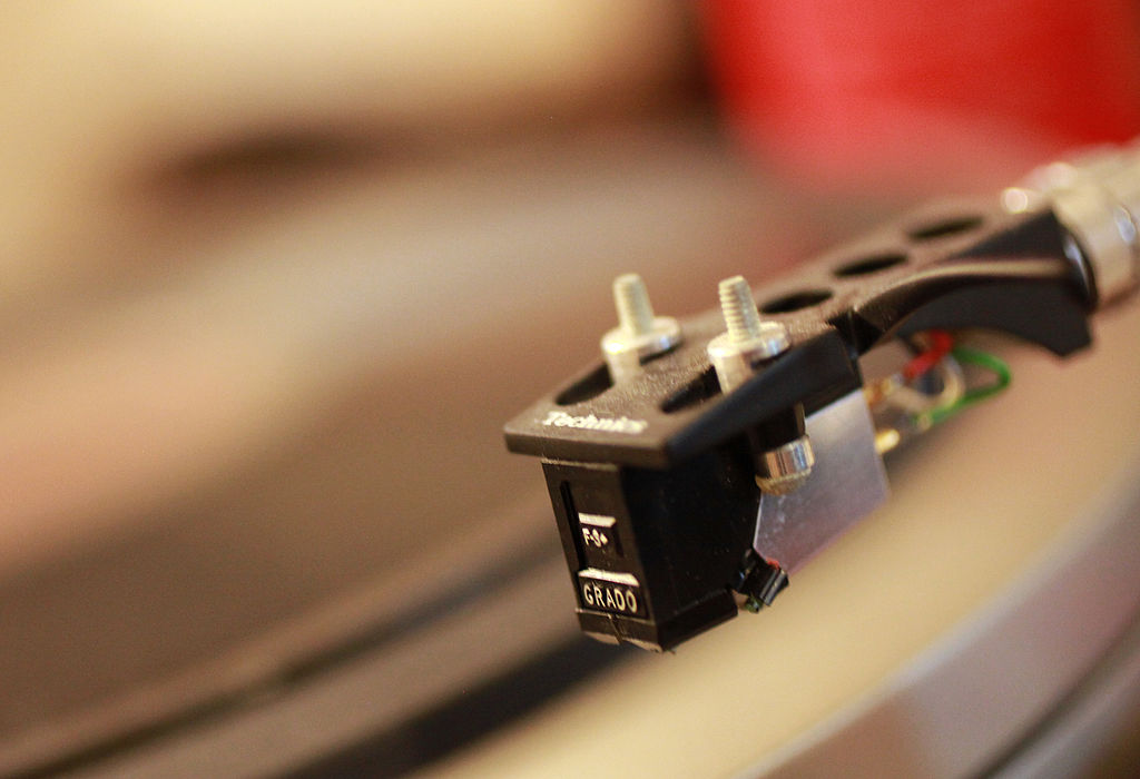 Plattenmarkt: Vinylverkäufe überholen die...