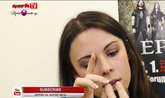 Auf dem YouTube-Kanal von Spark TV gibt Jennifer Haben Make-Up-Tipps.