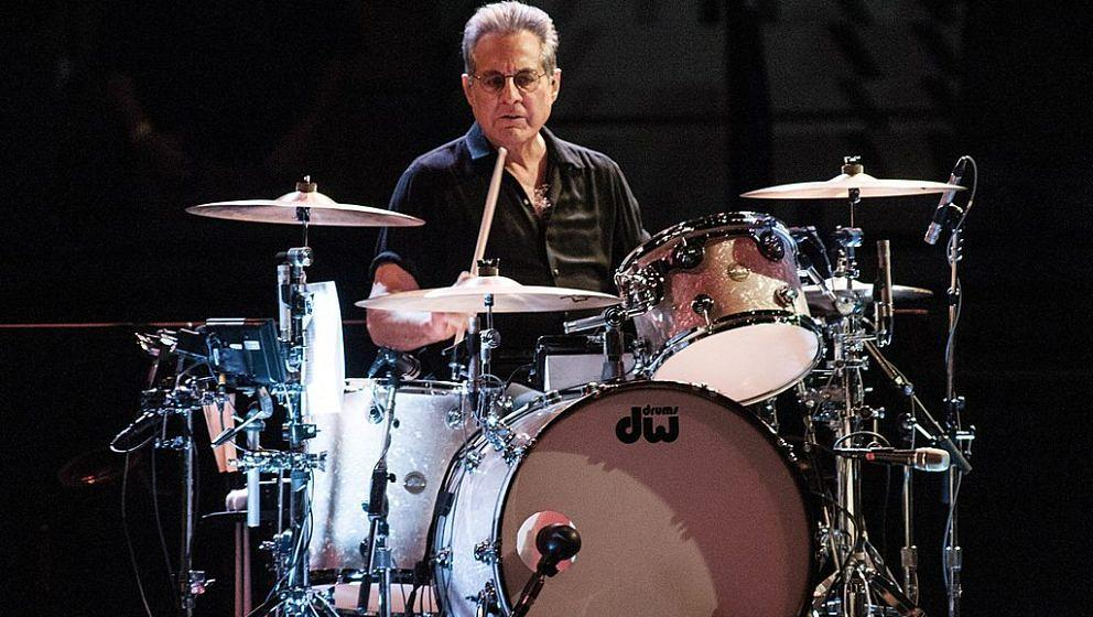 DENVER, CO -  NOVEMER 19:  Max Weinberg performing with 'Bruce Springsteen and the E Street Band' at The Pepsi Center in Denv
