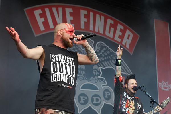 Ivan 'Ghost' Moody, Sänger der US-amerikanischen Metal-Band «Five Finger Death Punch», tritt am 02.06.2017 in Nürburg (Rh