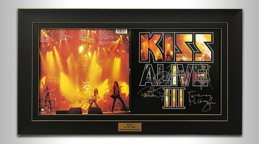 Charity-Auktion: Gerahmte und signierte KISS-Alben UNMASKED und ...