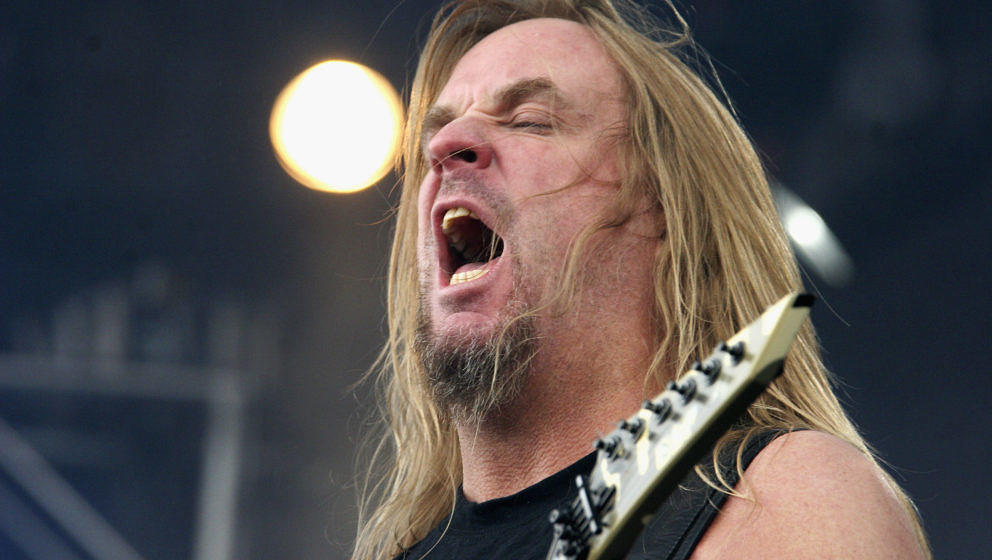 DONINGTON, ENGLAND - JUNE 12:  Jeff Hanneman of Slayer performs on stage on day three of the Download Festival on June 12, 20