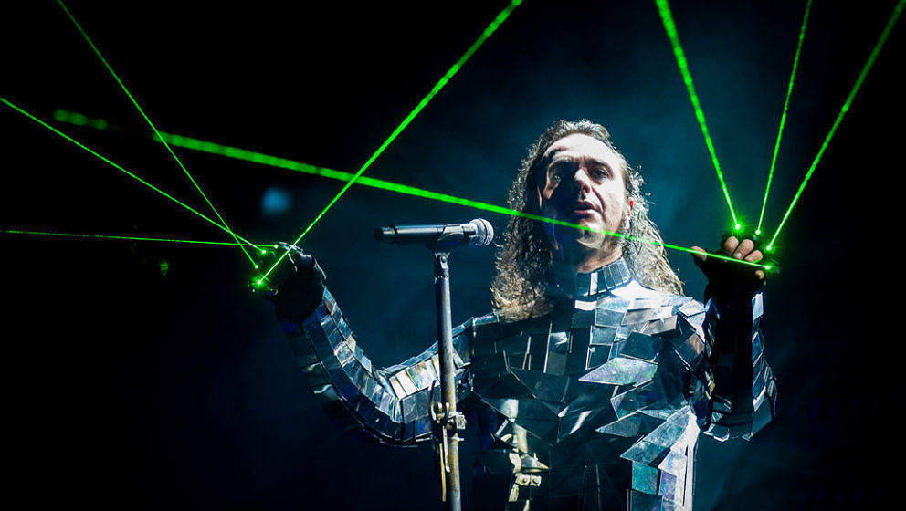 Moonspell-Frontmann Fernando Ribeiro während eines Konzerts