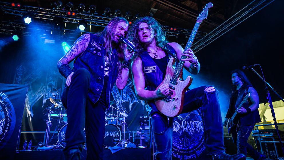 Stu Block (l.), Jake Dreyer (M.) und Luke Appleton bei einer Iced Earth-Show im Juli 2018