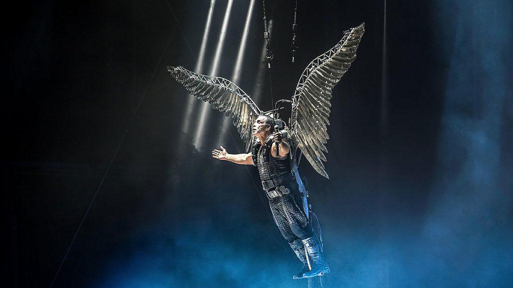 Till Lindemann bei einem Live-Auftritt von Rammstein im Jahr 2016