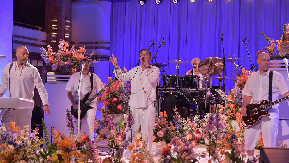 NEW YORK, NY - MAY 13:  Faith No More performs on 'The Tonight Show Starring Jimmy Fallon' at Rockefeller Center on May 13, 2
