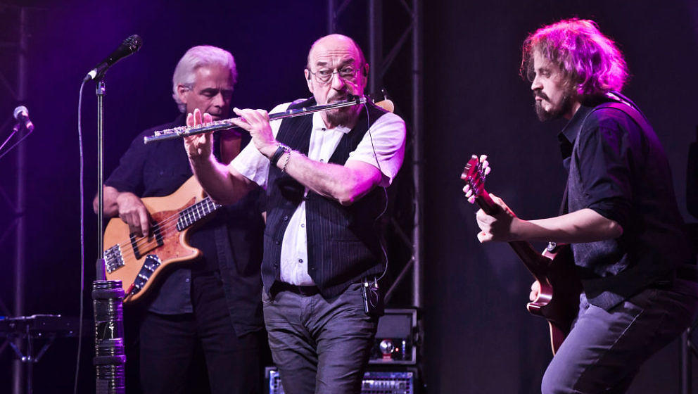BERLIN, GERMANY - SEPTEMBER 25: (M) British singer and musician Ian Anderson of Jethro Tull performs live on stage during a c