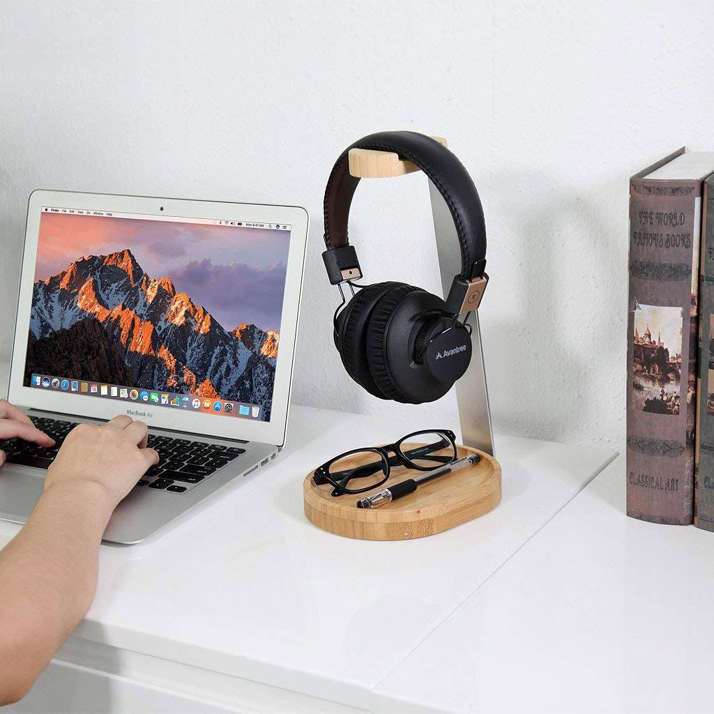 Kopfhörerständer von Avantree aus Holz und Aluminium