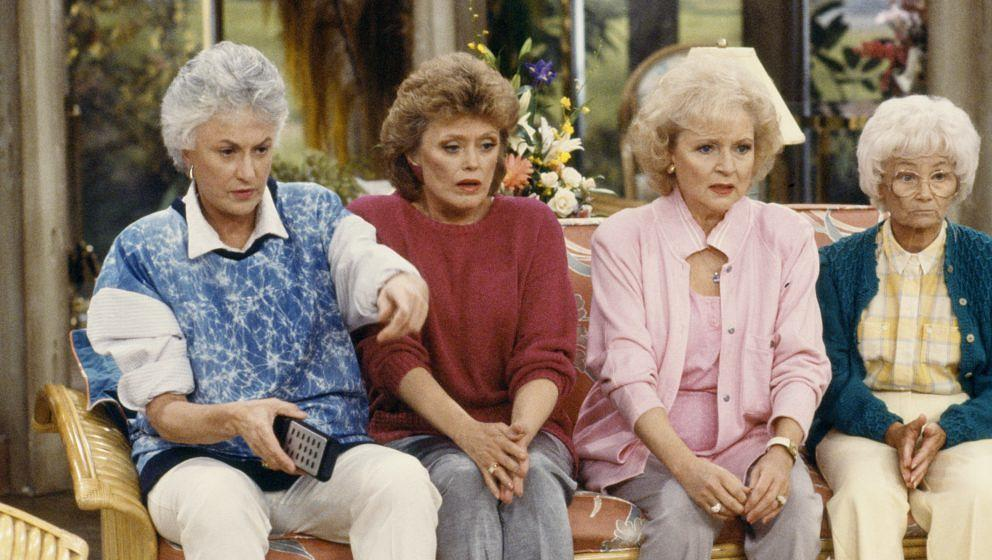 GOLDEN GIRLS -- Season 4 -- Pictured: (l-r) Bea Arthur as Dorothy Petrillo Zbornak, Rue McClanahan as Blanche Devereaux, Bett