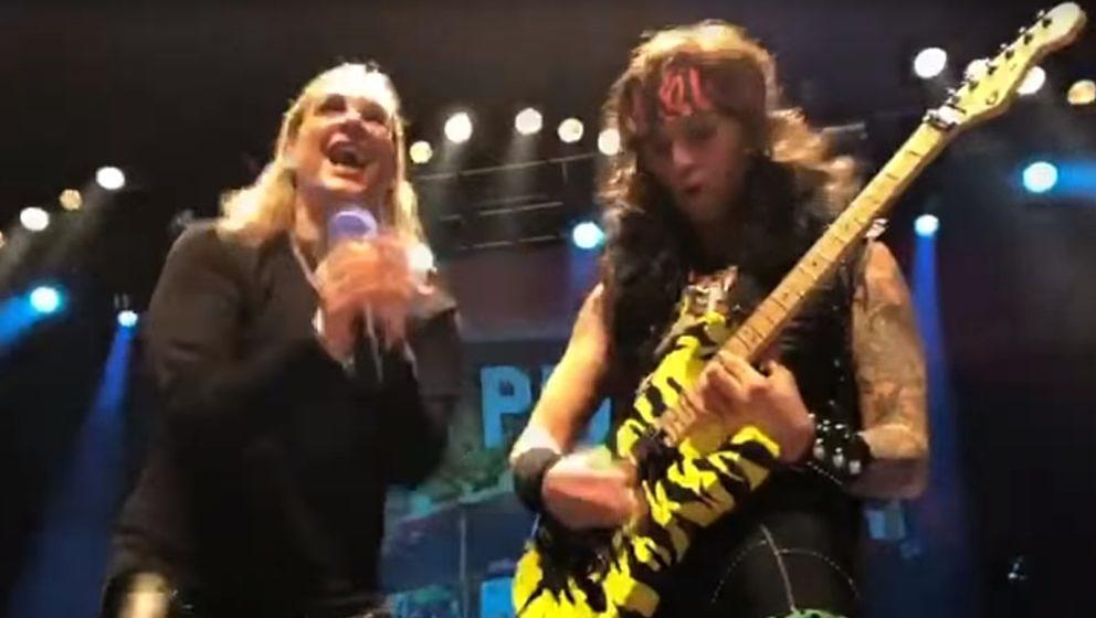 Steel Panther-Sänger macht auf Ozzy Osbourne, und ex Ozzy-Gitarrist Gus G. gibt Steel Panther-Riffer Satcher