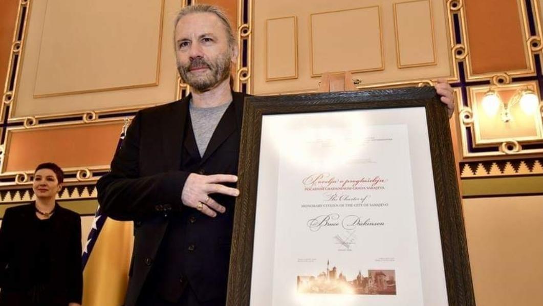 Bruce Dickinson wird Ehrenbürger von...