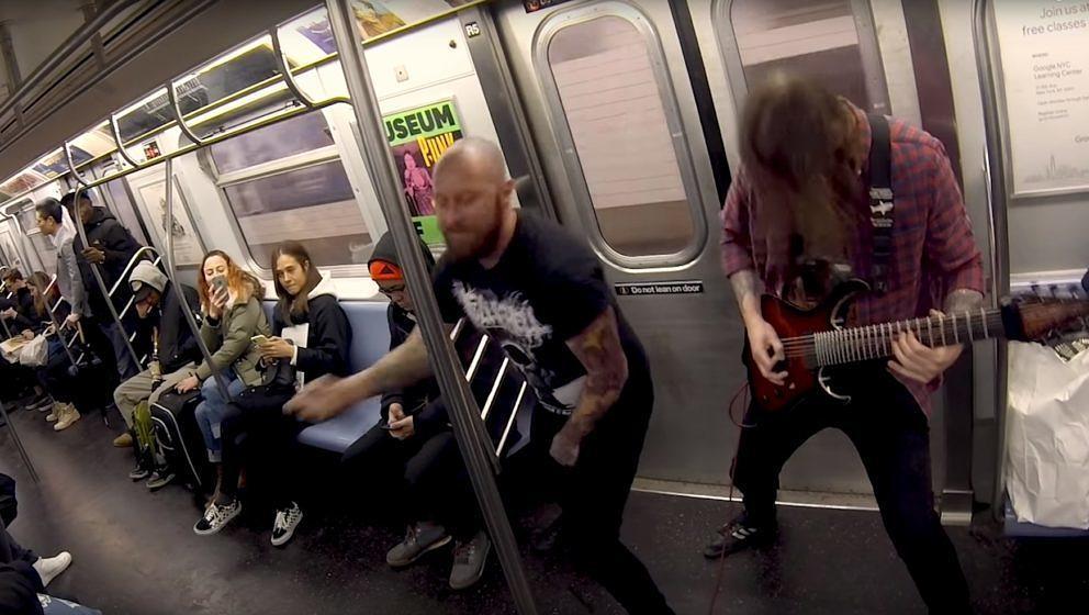 Allegaeon in der New Yorker U-Bahn