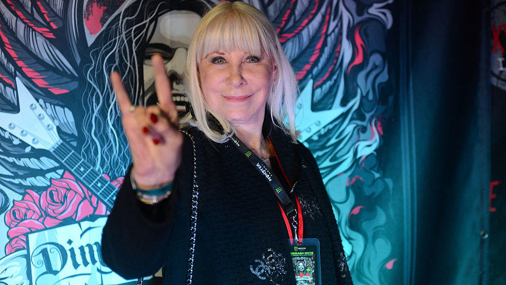 HOLLYWOOD, CA - JANUARY 22:  Music executive Wendy Dio poses on the red carpet at Lucky Strike Live on January 22, 2016 in Ho