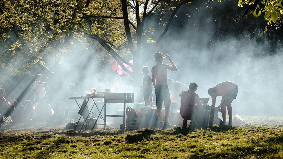 Mit unseren Hacks wird Grillen auf Festivals zum Kinderspiel