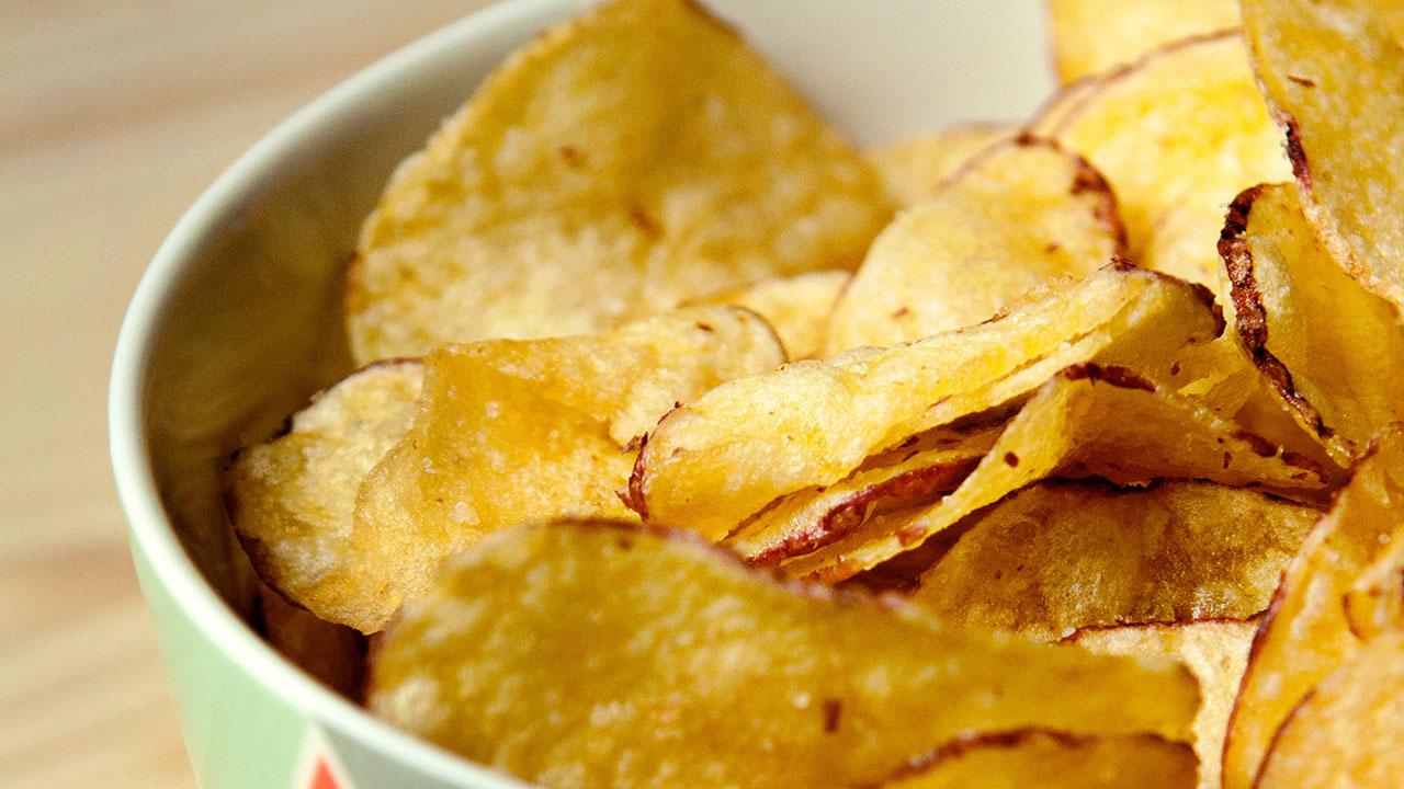 Kartoffelchips eignen sich hervorragend als Grillanzünder