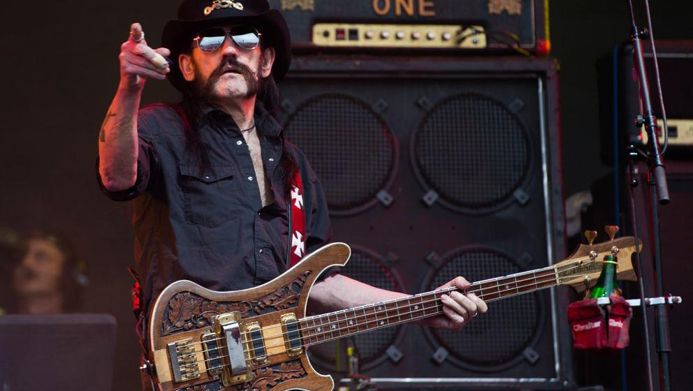Lemmy Kilmister performt mit Motörhead beim Glastonbury Festival 2015