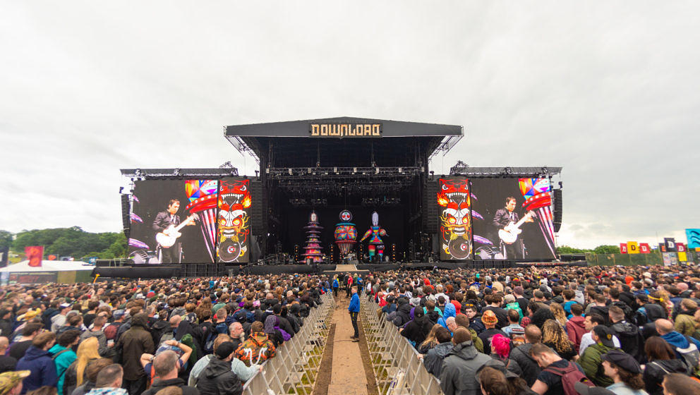 CASTLE DONINGTON, ENGLAND - JUNE 16:  Smashing Pumpkins perform on stage during Download festival 2019 at Donington Park on J