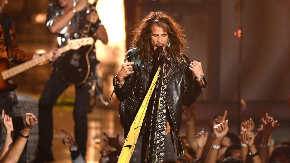 NEW YORK, NY - AUGUST 20:  Aerosmith performs onstage during the 2018 MTV Video Music Awards at Radio City Music Hall on Augu