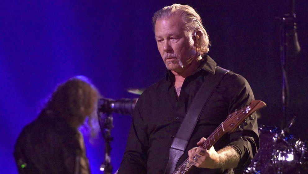 James Hetfield (r.) und Kirk Hammett von Metallica live in San Francisco