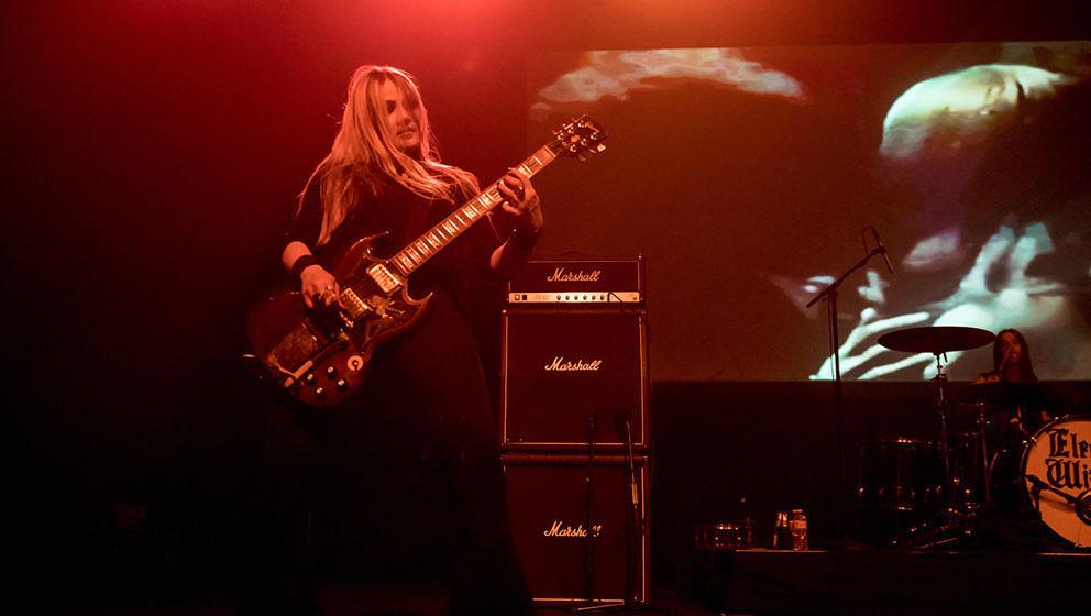 Liz Buckingham ist seit 2004 bei Electric Wizard dabei.