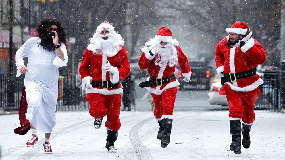 Zugegeben: Viele Weihnachtssongs sind wahrhaftig zum Wegrennen.