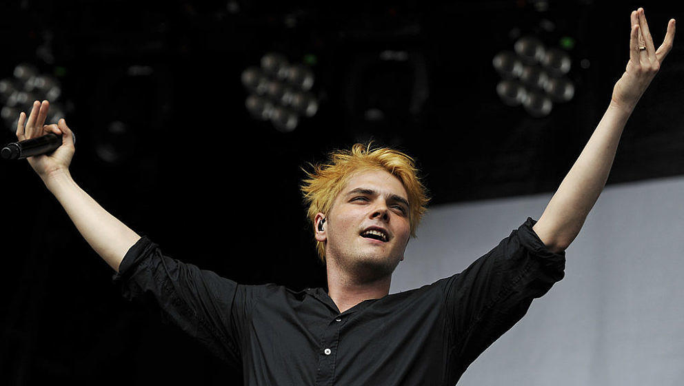 MELBOURNE, AUSTRALIA - JANUARY 29: Gerard Way of My Chemical Romance performs on stage at the Melbourne Big Day Out at Flemin