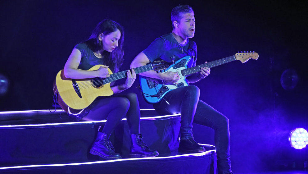 LOUISVILLE, KENTUCKY - NOVEMBER 27:    Gabriela Quintero and Rodrigo Sanchez of the music duo Rodrigo y Gabriela performs  at
