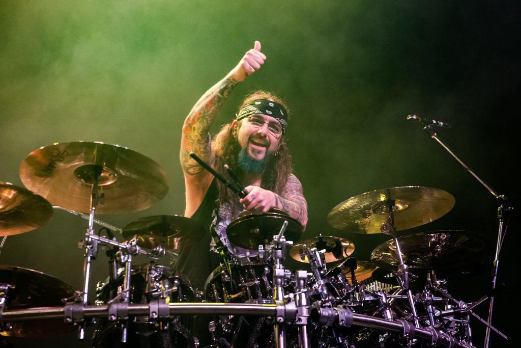 Mike Portnoy verteidigt Musiker, die Geld für Meet & Geets verlangen