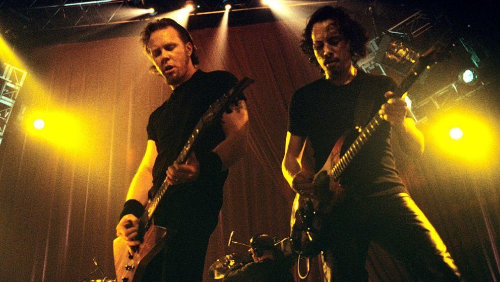 James Hetfield und Kirk Hammett von Metallica 1998 im Roseland in New York City