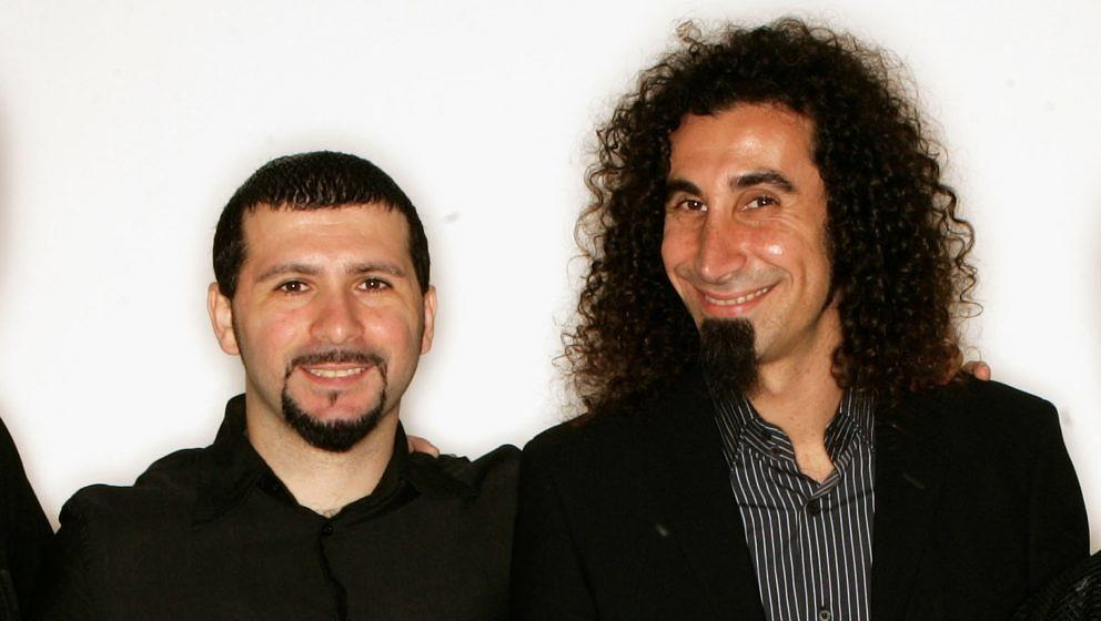 John Dolmavan und Serj Tankian von System Of A Down bei den MTV Europe Music Awards 2005 in Lissabon