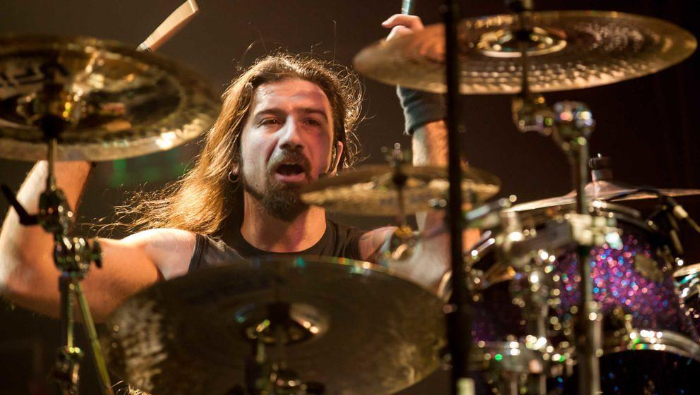 Dragonforce-Drummer Gee Anzalone beim Auftritt am 14. Mai 2015 im The Regency Ballroom in San Francisco