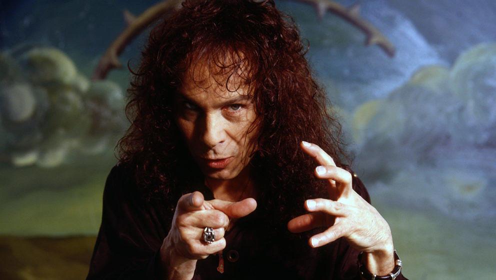 Im Alter von nur 68 Jahren erlag Ronnie James Dio seinem Krebsleiden