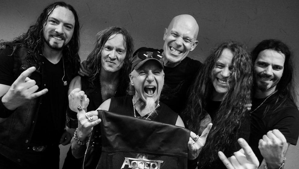 Die jüngste Accept-Besetzung (Stand: Mai 2020) (v.l.): Drummer Christopher Williams, Gitarrist Philip Shouse, Sänger Mark Tornillo, Gitarrist und Bandboss Wolf Hoffmann, Gitarrist Uwe Lulis und Bassist Martin Motnik