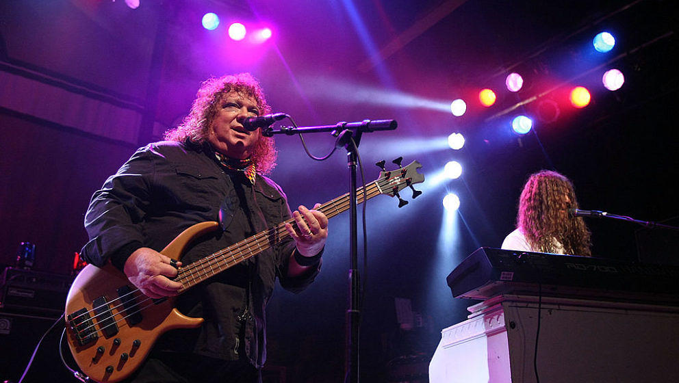 WEST HOLLYWOOD, CA - APRIL 30:  Steve Priest (L) and Stevie Stewart of Rock band 'Sweet' performs at the House of Blues on Ap