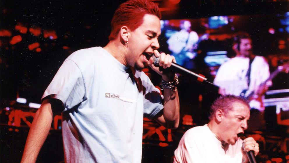 Linkin Park während einer Show im Jahr 2000