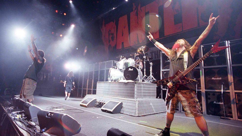Pantera bei ihrem OZZfest-Auftritt in Mountain View im Jahr 2000
